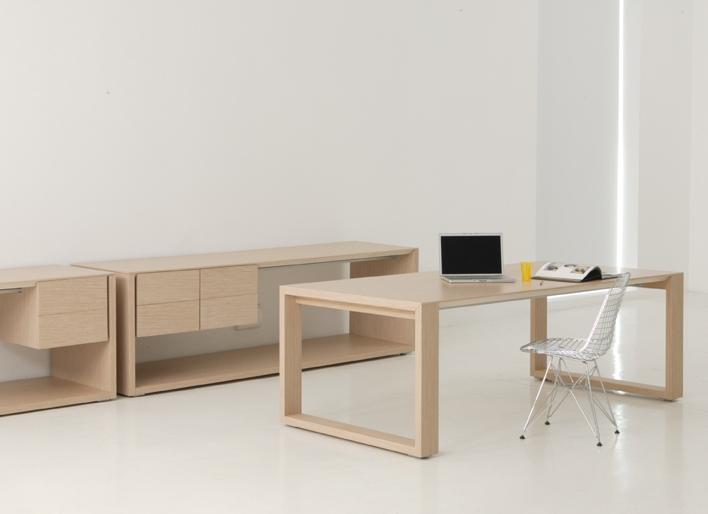 bureau hetre modele 12 abc diffusion mobiliers d. Black Bedroom Furniture Sets. Home Design Ideas